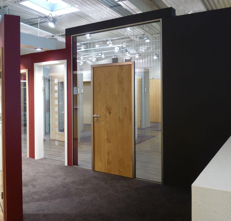 News - Glastrennwandsystem Ausstellung Bild 2